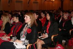 Zakaj je na vrhu podjetja boljše imeti žensko?